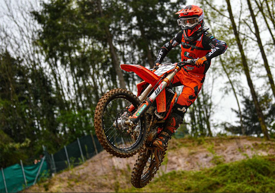 Valerio Lata (MC La Rocca) in azione a Maggiora nel tricolore MX Prestige